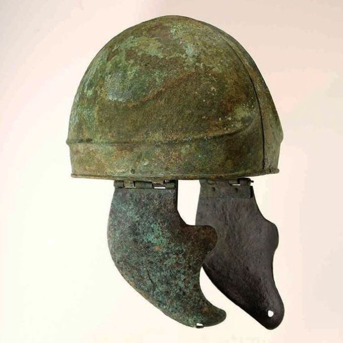 casco romano subasta