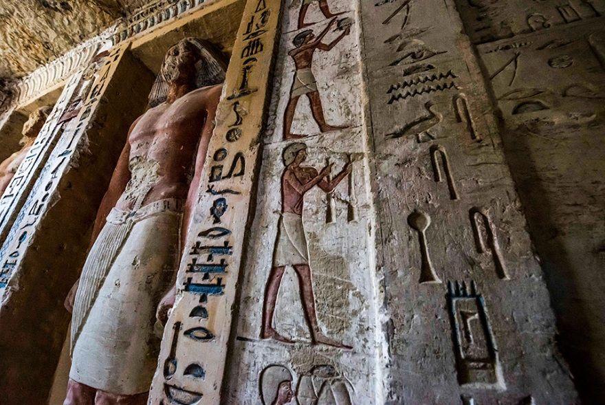 detalles tumba sacerdote egipto
