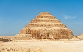 piramide zoser en saqqara egipto