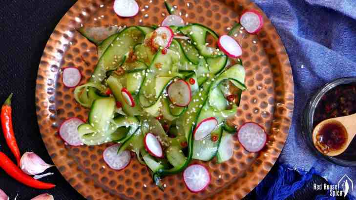 Cucumber salad with easy Chinese dressing (拌黄瓜)