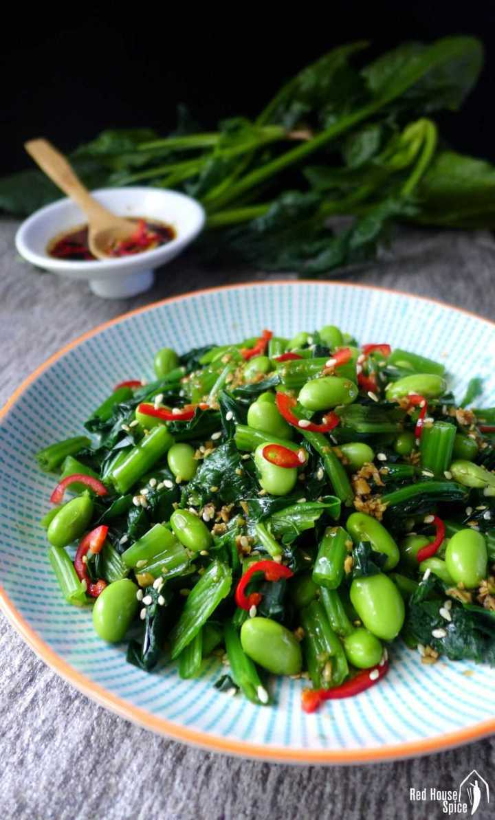 An earthy, refreshing dish loaded with nutrients, spinach and soybean salad is seasoned with a simple yet flavourful Chinese ginger dressing.