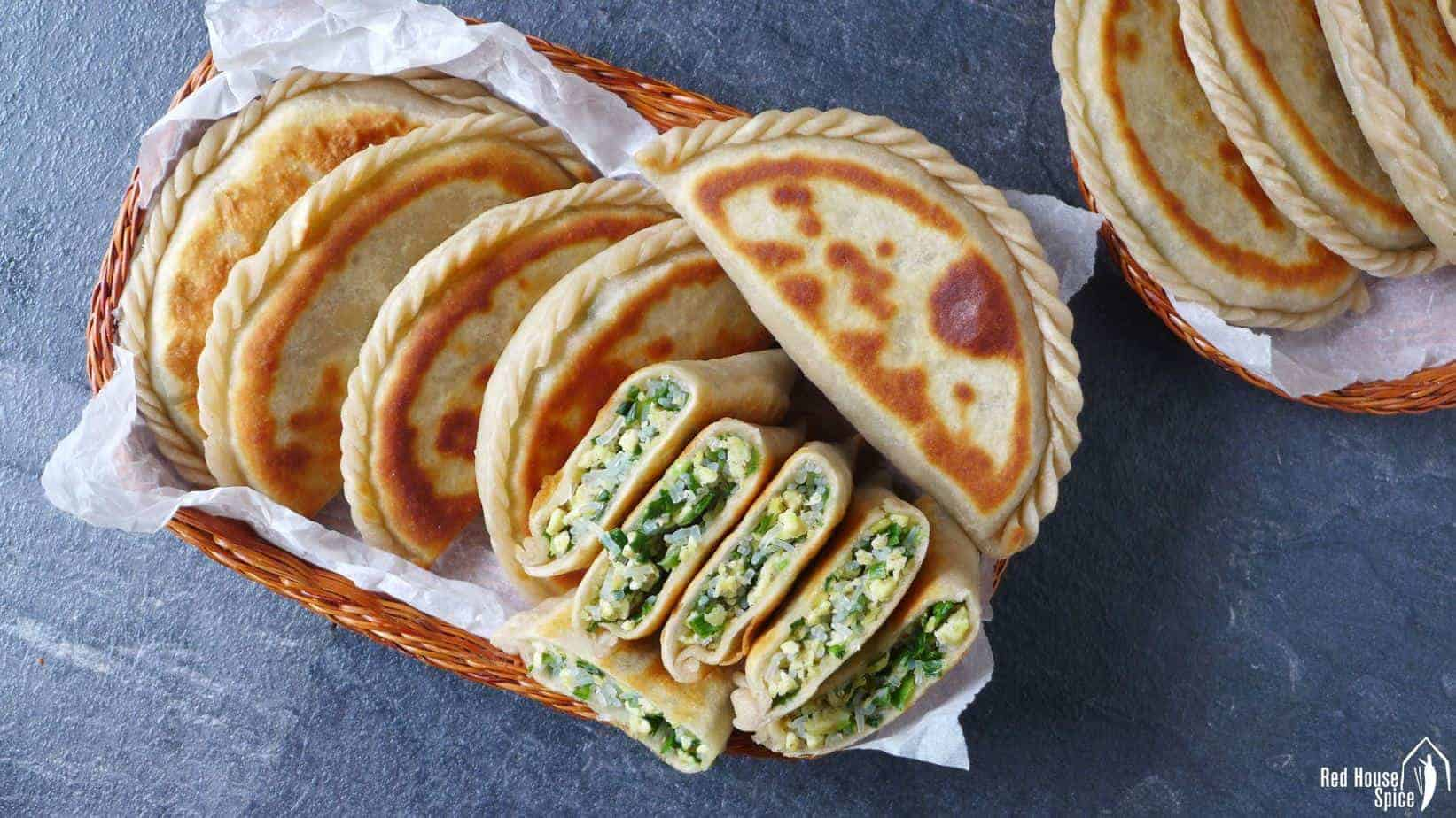 Chinese chive pockets (韭菜盒子)