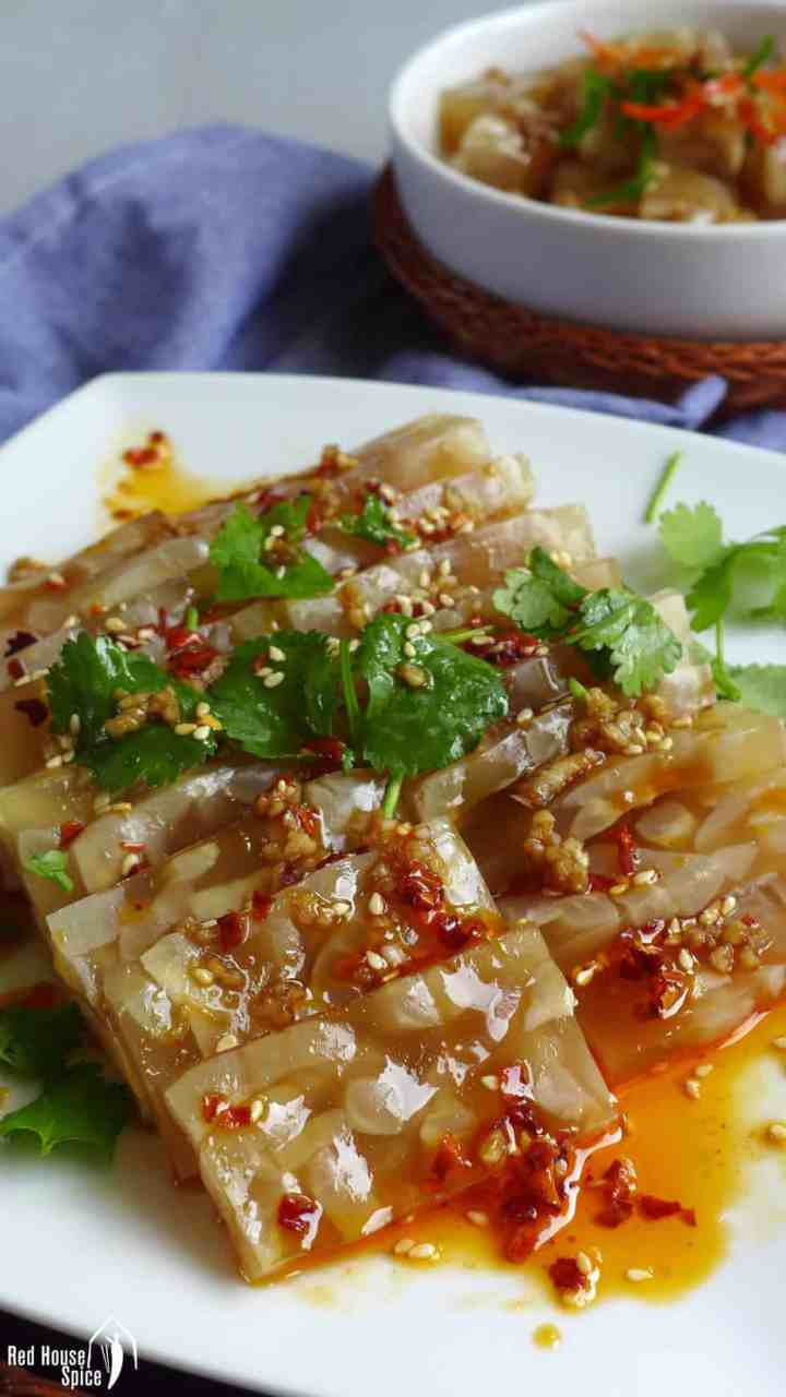 A plate of Chinese pork rind jelly with a spicy dressing