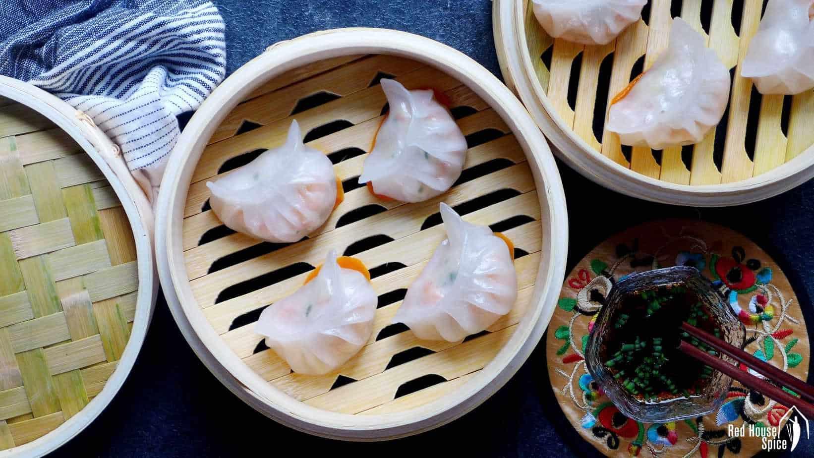 Har gow: crystal prawn dumplings (虾饺)