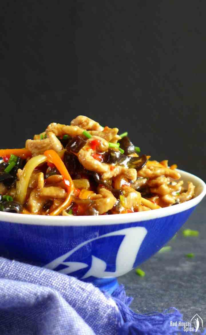 Signature dish of Sichuan cuisine, shredded pork with garlic sauce delivers a sophisticated and addictive taste: tangy, spicy, sweet & sour.