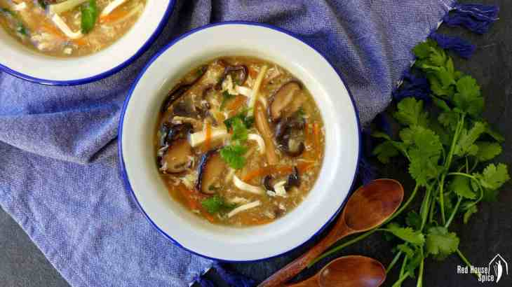 Hot and sour soup (酸辣汤)