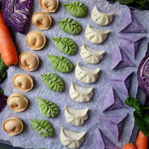 Visually appetizing and pleasant on the palate, these colourful dumplings with pork and prawn filling make a perfect festive dish for family and friends.