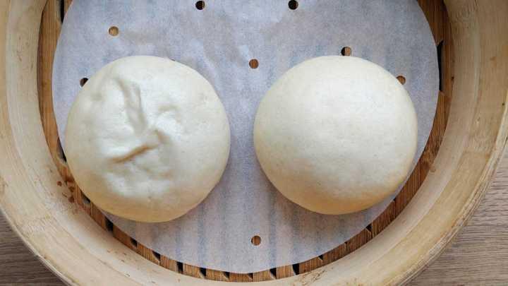 One smooth Mantou & one wrinkled Mantou