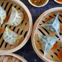 How to Make Steamed Dumplings, Two Methods (蒸饺)