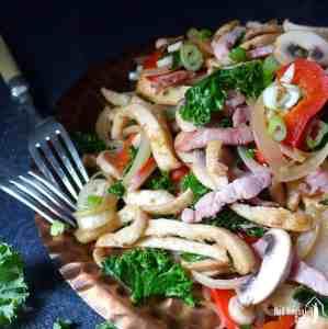 Sliced flatbread stir-fried with vegetables