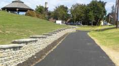 Drive freestanding Redi-Scapes short retaining wall