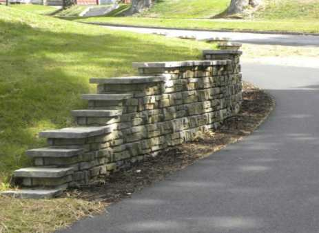 Freestanding Redi-Scape Driveway Retaining Wall