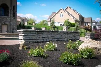 Redi-Scape-Stone-retaining-freestanding-walls_2