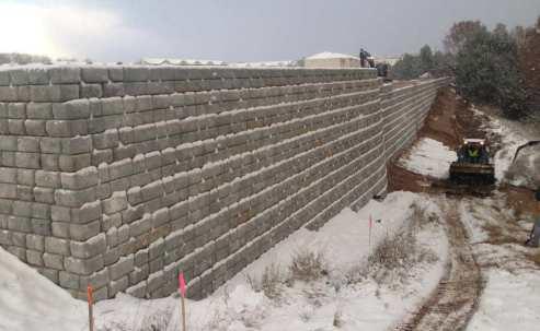 Redi-Rock Cobblestone Tall retaining wall
