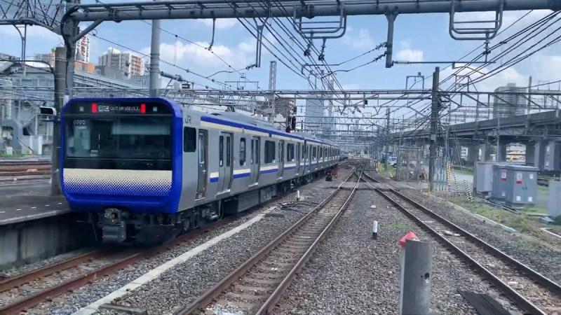KRL seri E235 milik Jalur Yokosuka saat uji coba | Foto: みんと ちょこ via Wikimedia Commons, CC-BY-SA