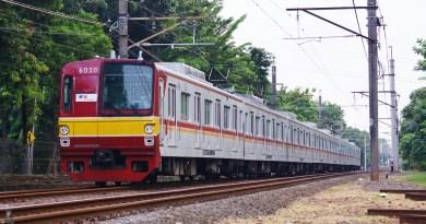 KRL 6130F 8 kereta