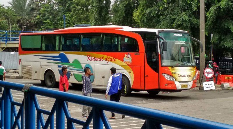 Catatan Perjalanan Bus: Mencari Scania Klasik PO Kramat Djati