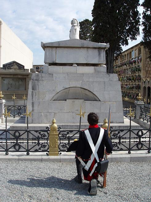Fusilero_Regimiento_Suizo_Reding_tumba_General_Teodoro_Reding