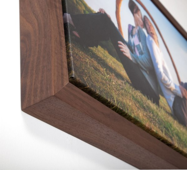 Redipix.com for gallery wraps and box mounted display prints