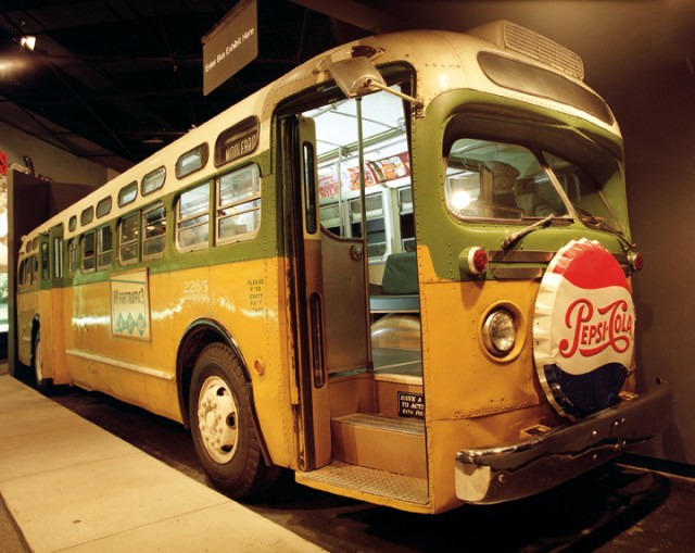 Great River Road - The Montgomery Bus Where Rosa Parks Sat (NAID 7718884)