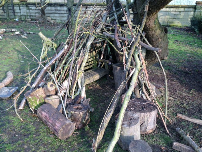 den building the earth trust, stick dens, making dens, outdoor play huts