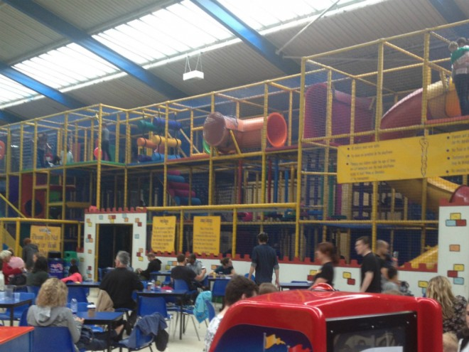 snakes ladders, abingdon, soft play