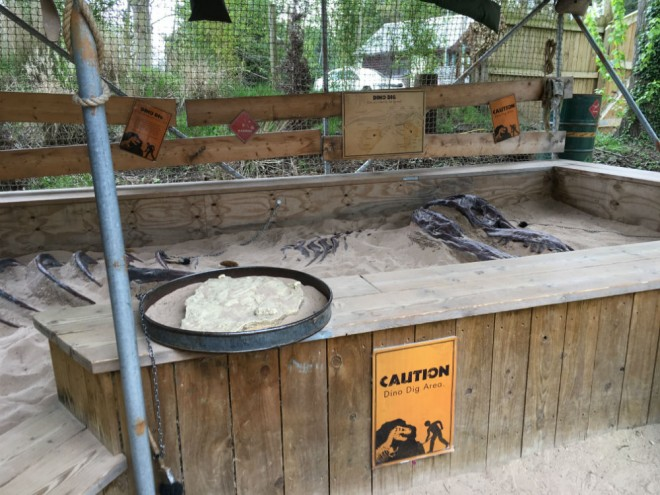 west midland safari park review, safari parks kids, dinosaur