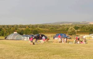 family friendly campsite, family campsite with activities, oxfordshire, wiltshire