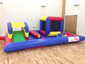 bouncy castle hire oxfordshire, bouncy castle hire buckinghamshire, bouncy castle hire brakcley, bouncy castle hire bicester, wedding bouncy castle oxfordshire, birthday party entertainment oxfordshire, buckinghamshire