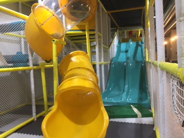 child friendly cafe Windsor, jelly lounge windsor, soft play Windsor