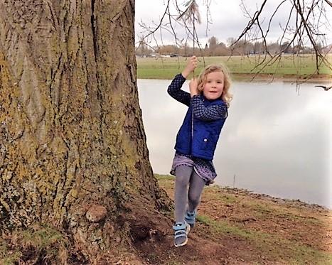 thames path family walk oxford to godstow