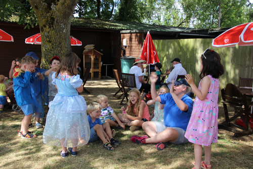 summer holiday activities chipping norton