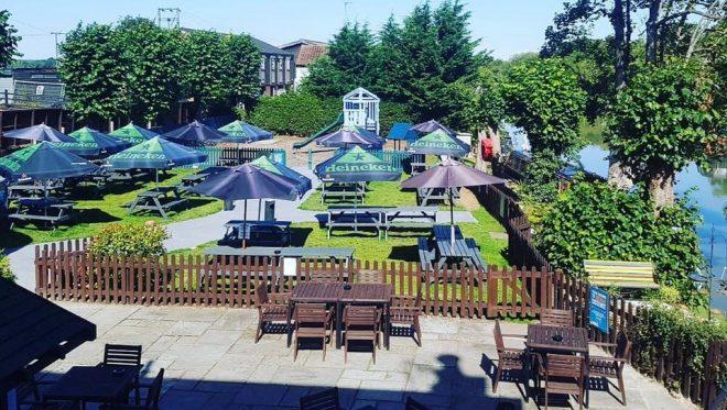 milton keynes pub with play area