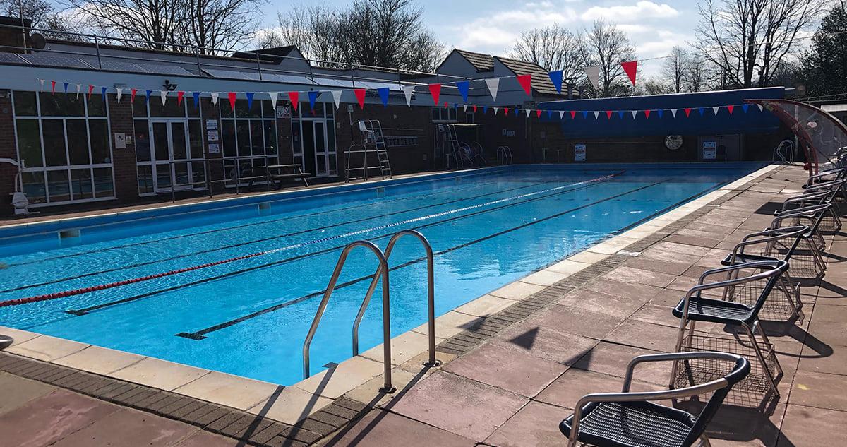 outdoor swimming pool Buckinghamshire, Chesham outdoor pool, lidos in Buckinghamshire
