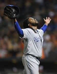 Why Does Johnny Cueto Stink as a Royal?