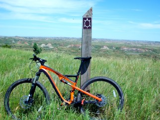 Specialized Camber Expert and Maah-Daah-Hey trail marker