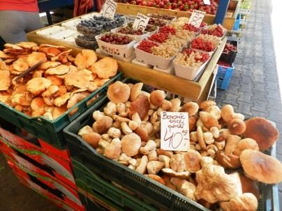314-food-tour-market