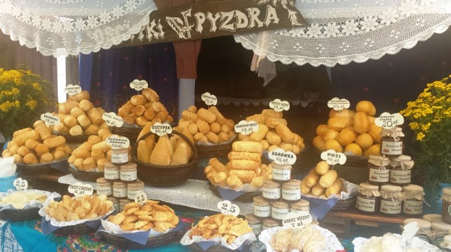 586-pierogi-festival-trying-more-cheese