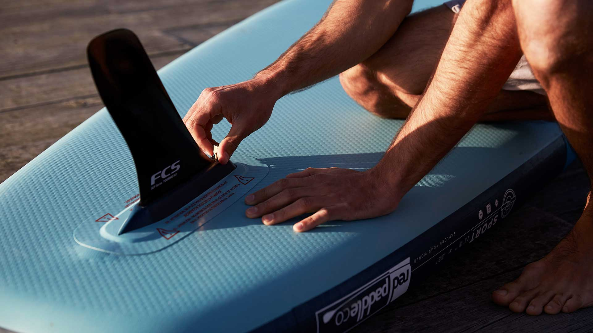 redpaddleco-113-sport-inflatable-paddle-board-desktop-gallery-fins