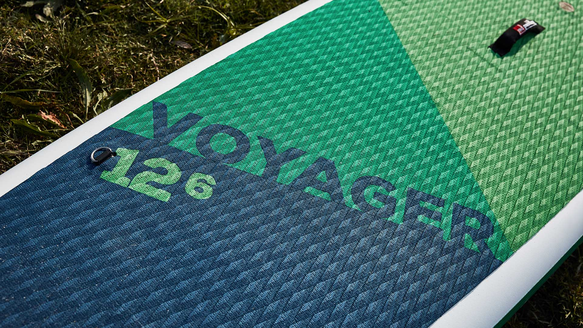redpaddleco-126-voyager-inflatable-paddle-board-desktop-gallery-deckpad