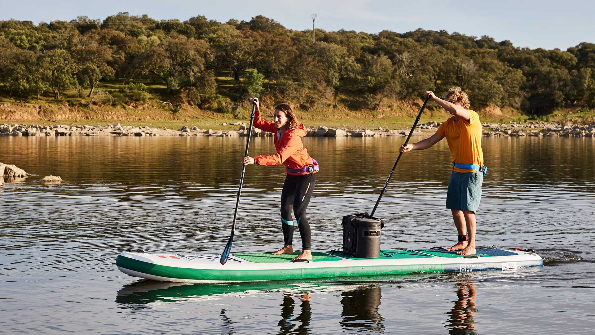 redpaddleco-150-voyager-tandem-inflatable-paddle-board-desktop-gallery-2