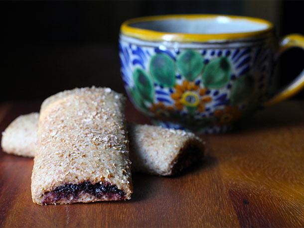 20120823-218827-diy-blueberry-cereal-bar