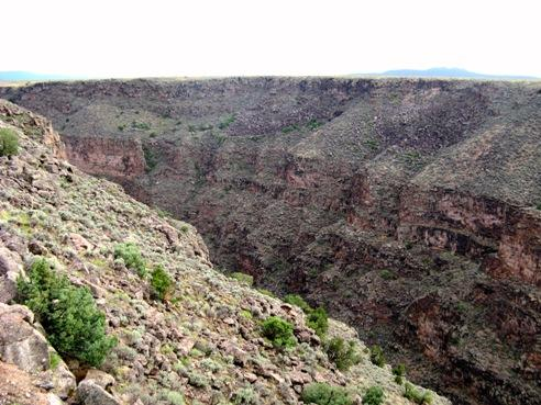 Approaching the Rio Grande Gorge, photo © 2007 by ybonesy, all rightsreserved