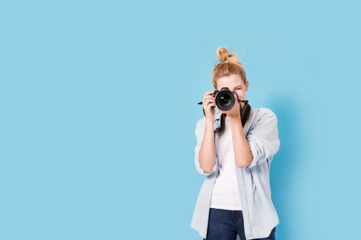 How to Take a Great LinkedIn Profile Pic, tips featured by resume writers, Red Rocket Resume