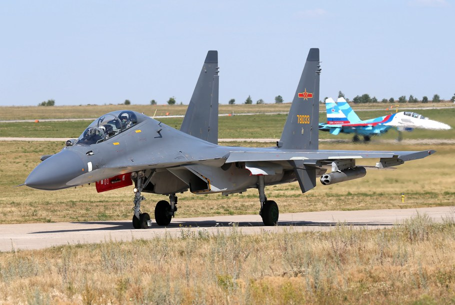 plaaf_sukhoi_su-30mkk_at_lipetsk_air_base