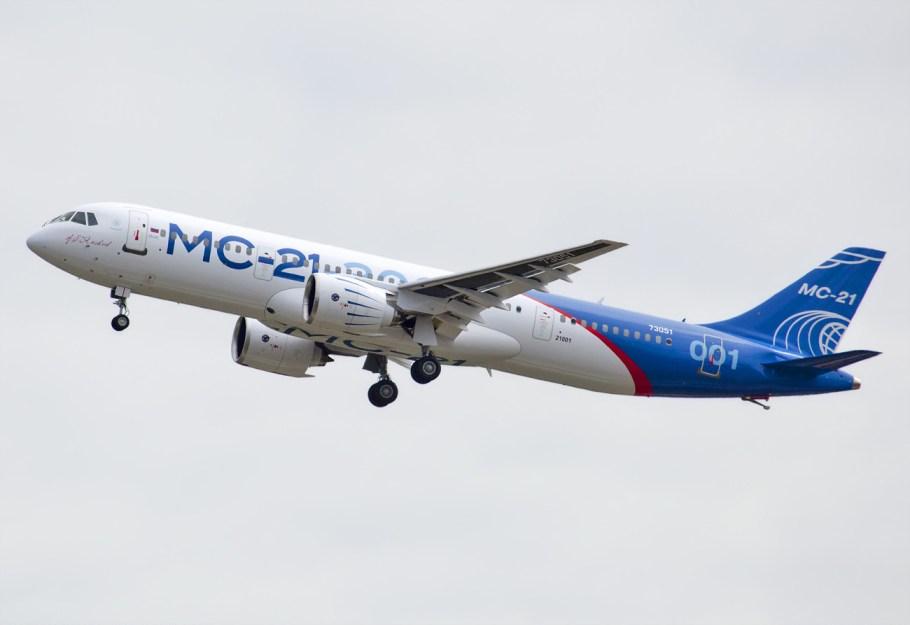 Maiden_flight_of_MC-21
