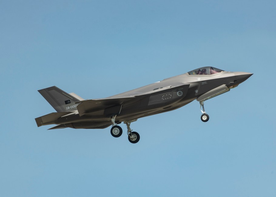 F-35-TuAF-first-flight