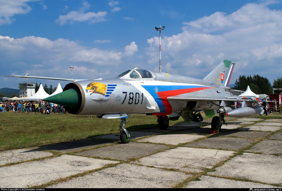 7801-slovakia-air-force-mikoyan-gurevich-mig-21mf-fishbed-j_PlanespottersNet_410374_6996d3e173.jpg
