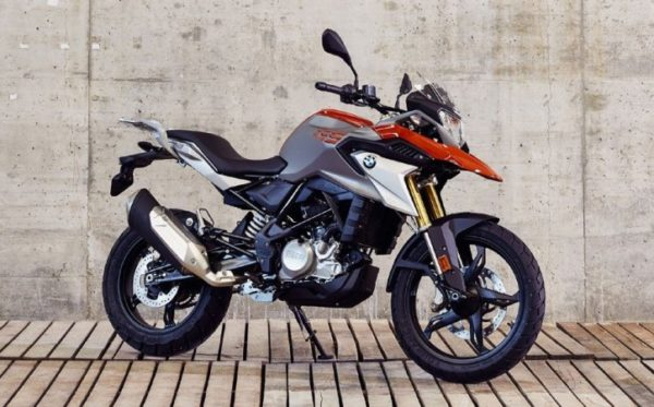 BMW G310GS vs BMW G310R