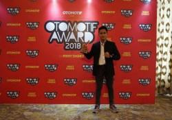 Galang Hendra Menjadi The Best Rider in Motorsport versi Otomotif Award 2018